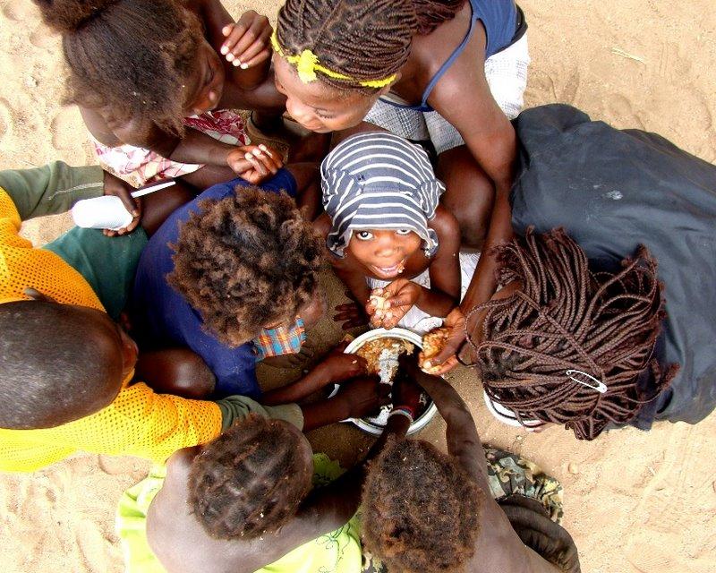 Criançada em Angola