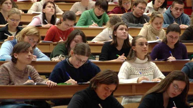 Gestão de TIC nas escolas e1.0