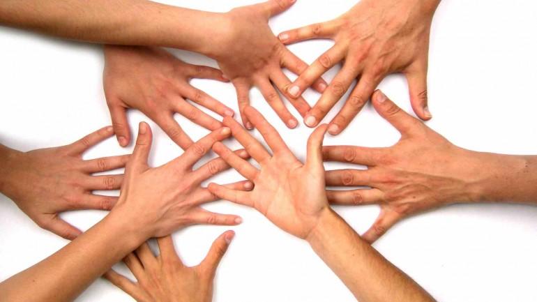 """Co-Creation"" e ""CrowdSourcing"" nas Redes Sociais"