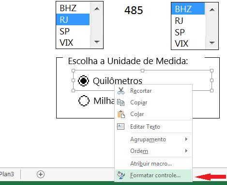 """Para vincularmos o botão de opção a alguma célula temos que clicar sobre ele com o botão direito do mouse e escolher """"formatar controle""""."""