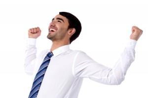 Colaboradores felizes trabalham em empresas de sucesso