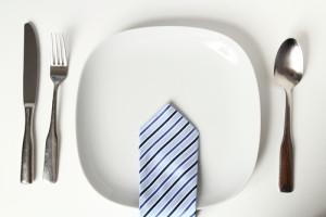 Qual a efetividade de almoçar na reunião?