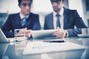 Figura - organizações empresariais, a maturidade precisa estar associada a uma expertise específica a qual está se pressupondo dizer que a organização já labuta com experiência, alta qualidade e baixo índice de erros.