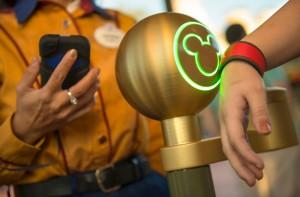 Figura - Magic Bands e a internet das coisas: como a Disney transformou a experiência do usuário em seus parques