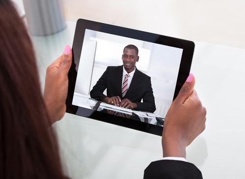 Videoconferência para entrevistas de emprego é tendência de R&S para os próximos anos