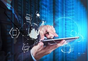Figura - Pesquisa inédita aponta que 43% dos desenvolvedores mobile têm mais de 31 anos e 22% ganham mais de R$ 8 mil por mês