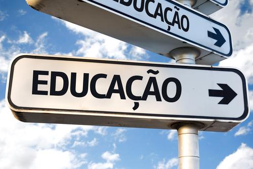O modelo educacional brasileiro e seu déficit de qualidade na formação de profissionais de TIC