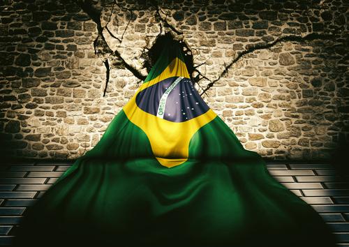 Crise? Siga no LinkedIn quem não está sofrendo com a crise do Brasil