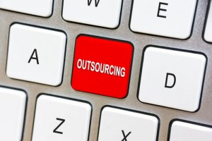 Figura - IT Outsourcing: The unreasonable strategy of traditional providers