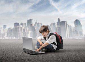 Figura - Sancionado, PL 53 assegura proteção de dados de crianças e adolescentes
