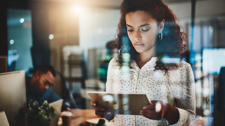 Gerenciamento de funcionários remotos: Saiba como proteger os dispositivos