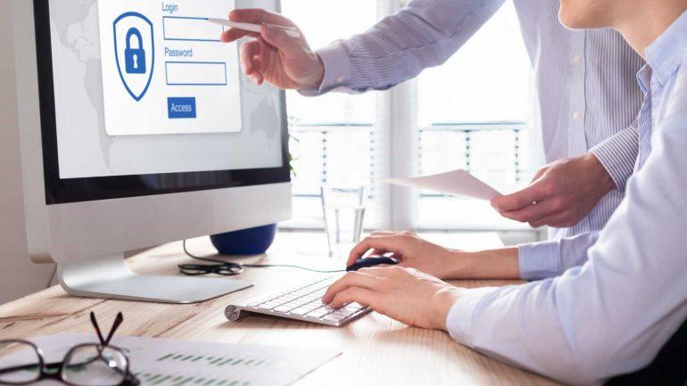 Aprenda como estabelecer uma política de senhas na empresa